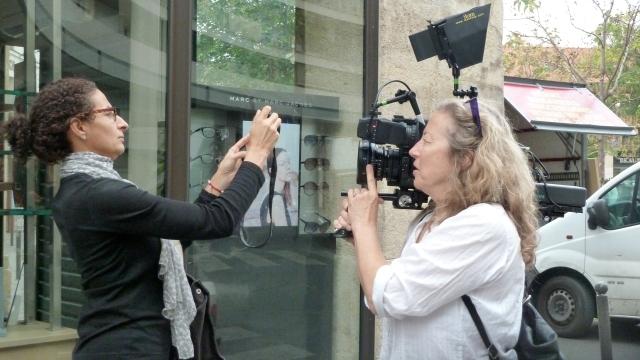 Nadia et Nathalie, tournage à Paris 2011 © Nicole Giguère